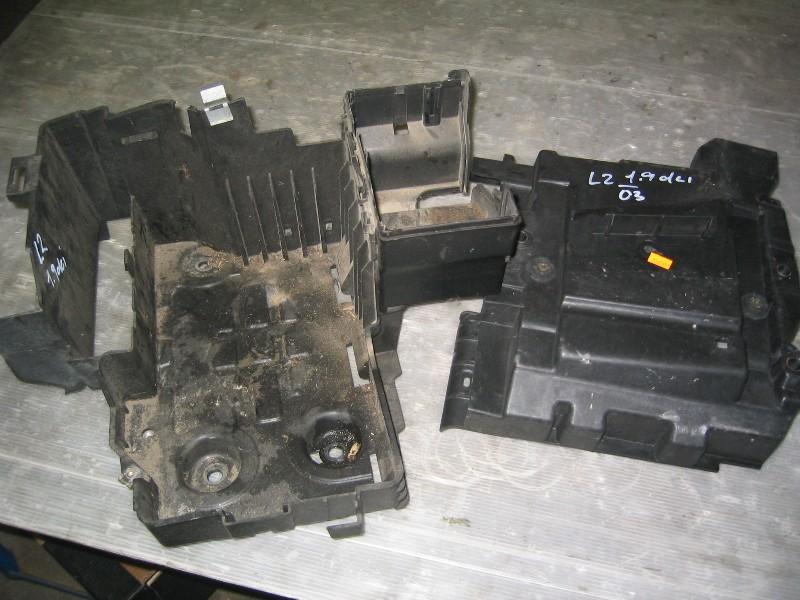 Laguna II  01-07 | držák baterie