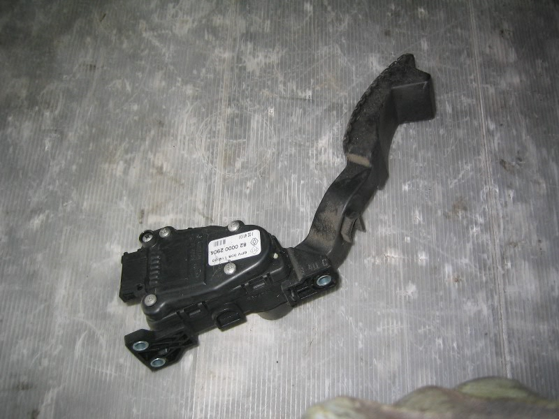 Laguna II  01-07 | elektronický pedal plynu pro 1,9dCi