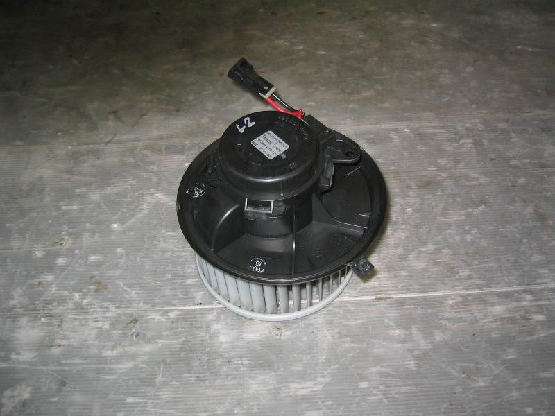Laguna II  01-07 | motorek ventilátoru topení