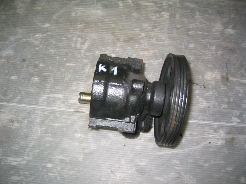 Kangoo  98-   servočerpadlo