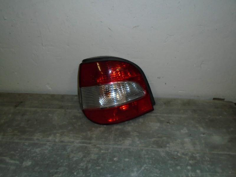Scenic  99-03 | zadní lampa L
