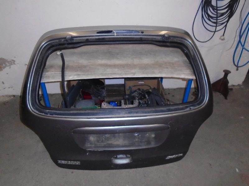Scenic  99-03 | dveře kufru pro výklopné sklo