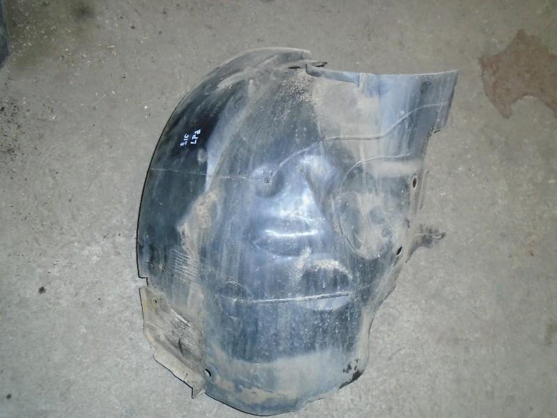 Scenic  99-03 | plastové nadkolí L zadní díl