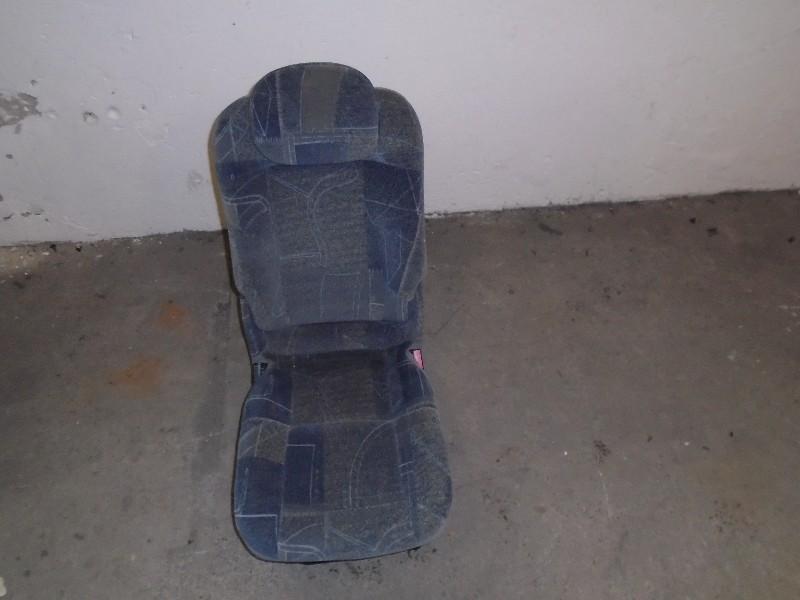 Scenic  99-03 | sedadlo zadní střed
