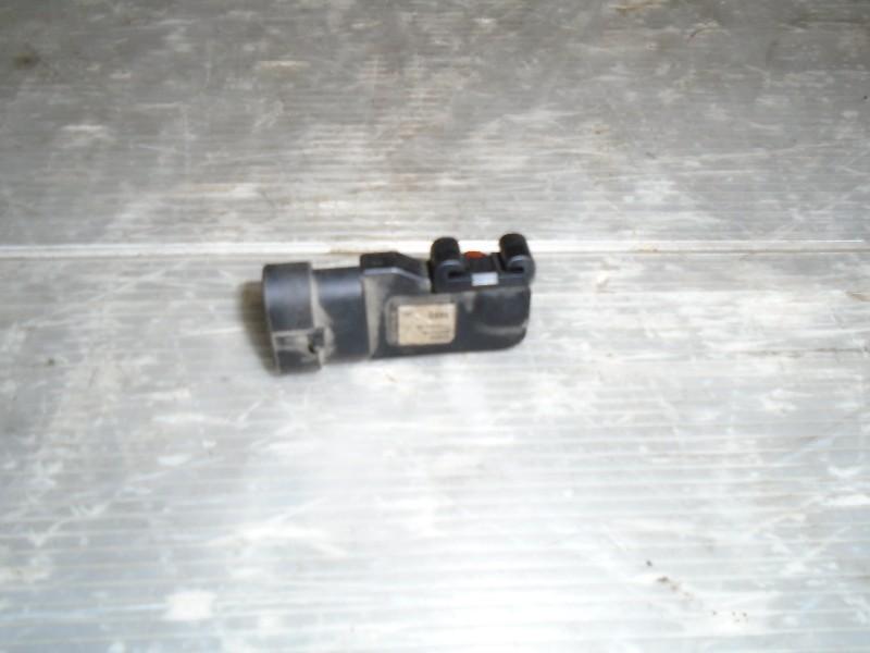 Megane I facelift 99-02   snímač absolutního tlaku v sacím potrubí-váha vzduch