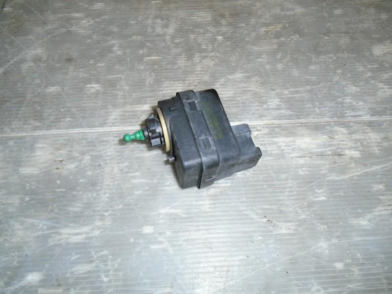 Megane I facelift 99-02 | motorek naklápění světlometu