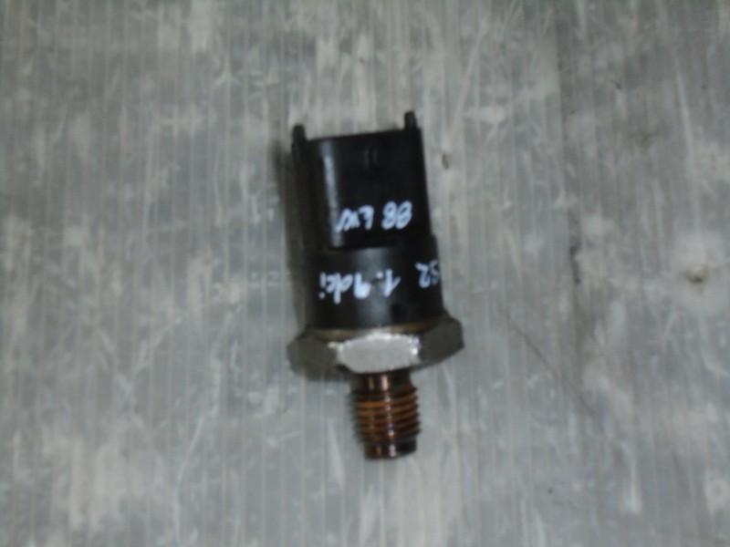 Scenic II  03-09 | snímač tlaku paliva pro 1,9dCi