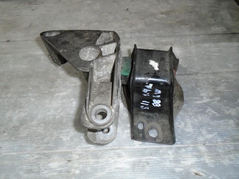 Scenic II  03-09 | pomocný držák motoru horní P