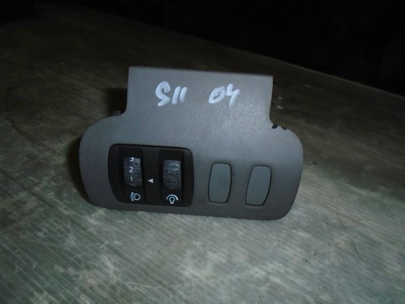 Scenic II  03-09 | ovládání sklonu světlometů a podsvícení