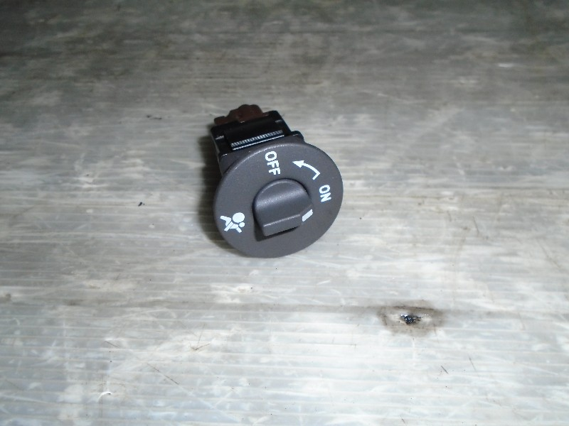 Scenic II  03-09   vypínač airbagu spolujezdce