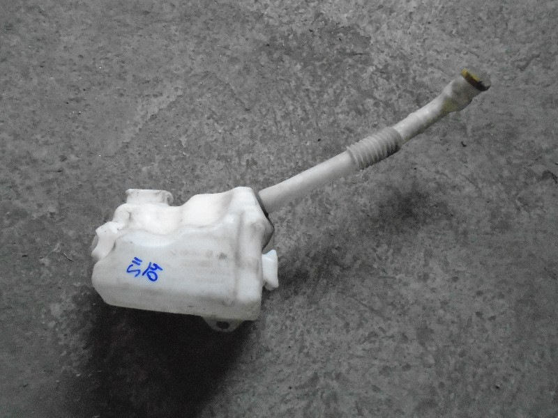Scenic II  03-09   nádobka ostřikovače