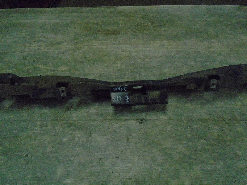 Scenic II  03-09   držák nárazníku Z