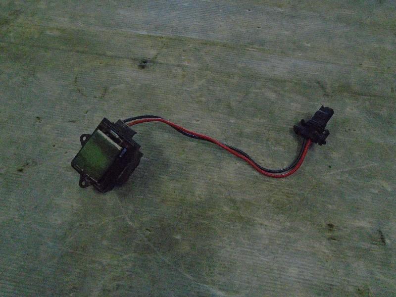 Megane I break kombi 99-02 | předřadný odpor ventilátoru topení