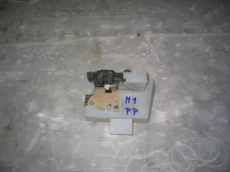 Megane I  96-99   zámek dveří PP