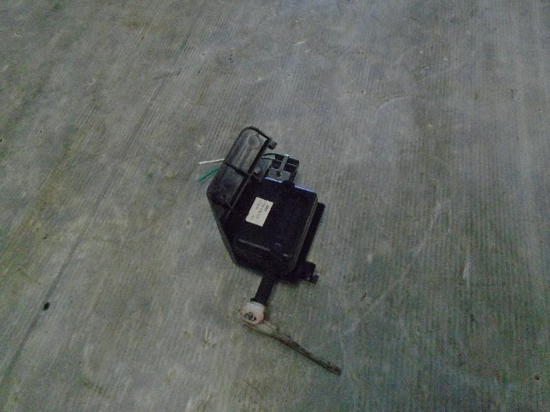 Megane I break kombi 99-02   motorek centrálu víka nádrže