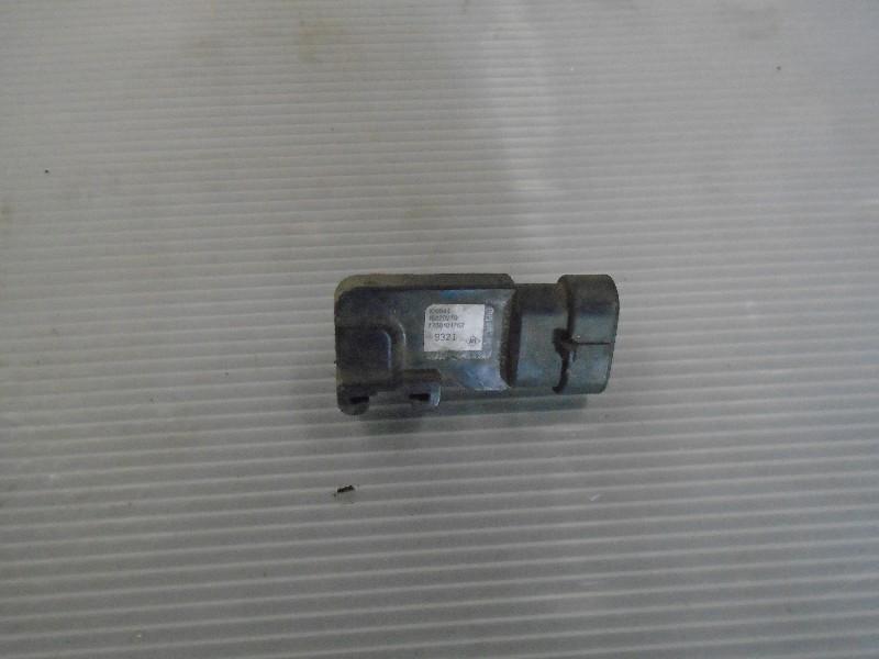 Scenic  99-03 | snímač absolutního tlaku pro 1,9dCi 75kW