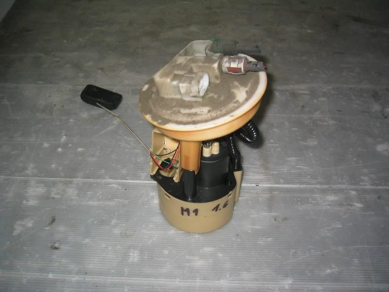 Megane I  96-99 | benzínové čerpadlo