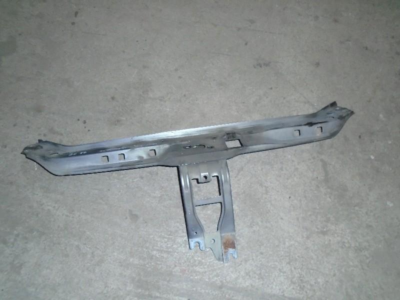 Clio II  98-05 | horní příčka předního čela