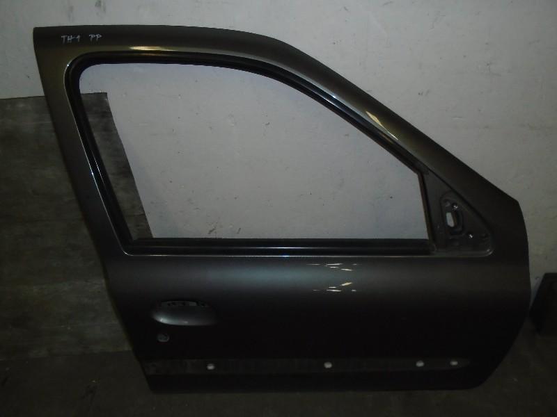 Clio II  98-05   dveře kufru PP