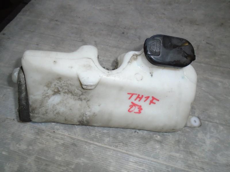 Clio II  98-05 | nádobka ostřikovačů