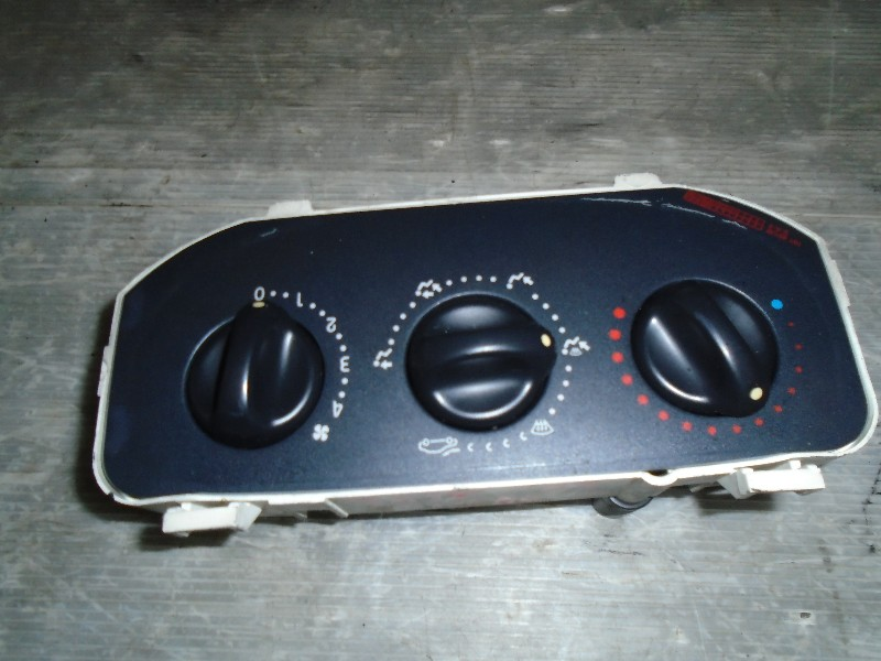 Clio II  98-05 | ovládání topení