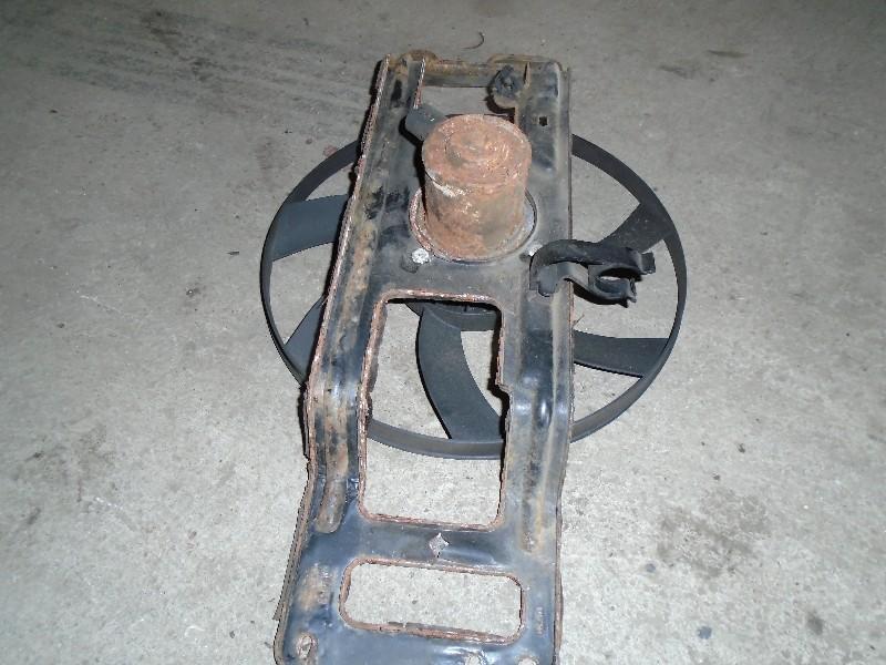 Clio II  98-05 | ventilátor chladiče s držákem - sahara