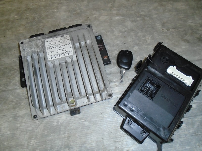 Clio II  98-05 | sada řídících jednotek + klíč pro 1,5dCi