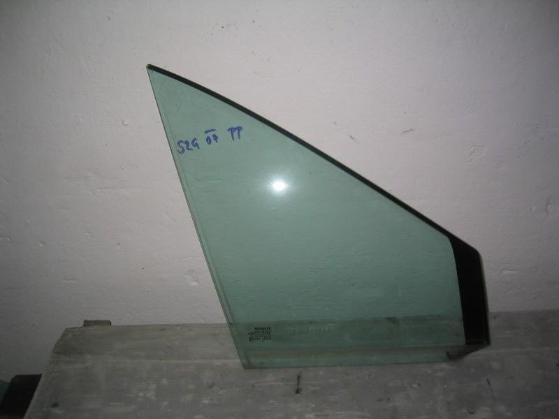 Grand Scenic II 04-09 | trojúhelník sklo PP