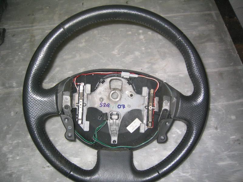 Grand Scenic II 04-09 | volant pro tempomat-černá kůže