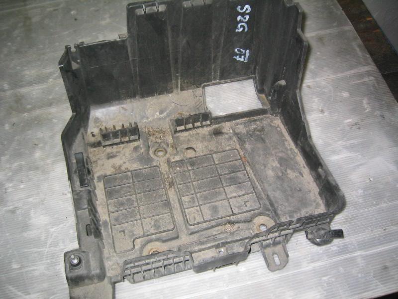 Grand Scenic II 04-09 | držák baterie