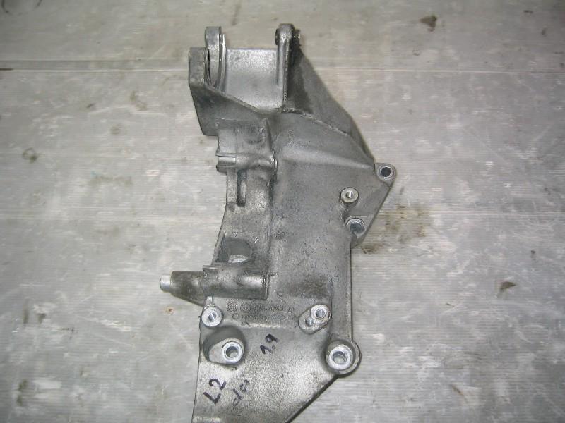 Laguna II  01-07 | držák příslušenství motoru 1,9dCi