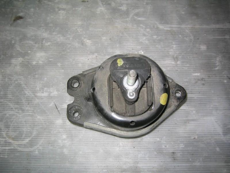 Laguna II  01-07 | silentblok motoru P olejový