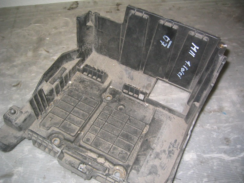 Megane II  02-08 | držák baterie