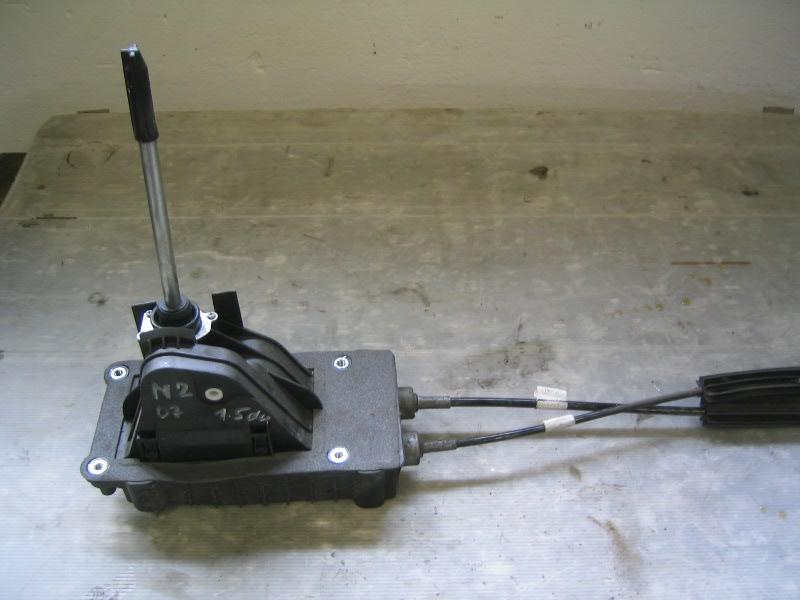 Megane II  02-08   kulisa řazení pro automatickou převodovku
